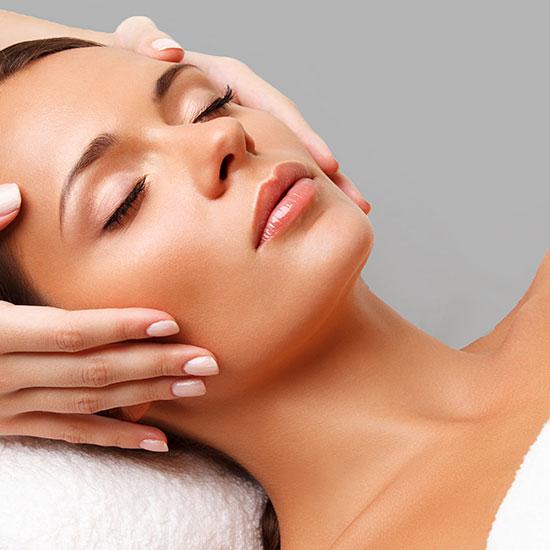 Gesichtsbehandlungen Aesthetische Dermatologie Wien