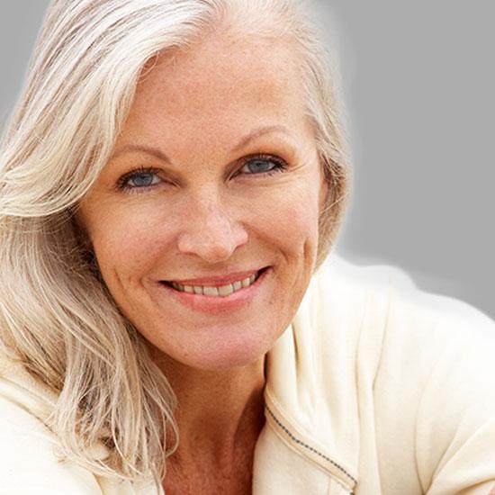 Hyaluronsäure, Eigenblut (PRP), Botox und Fadenlift werden zur harmonischen Gesichsmodellage eingesetzt,